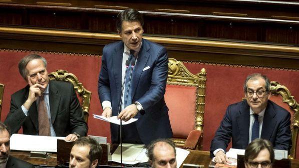 Manovra: tregua con Bruxelles, ok all'accordo ma decisione ufficiale solo a gennaio, dopo l'approvazione della legge di Bilancio. Stima di crescita 2019 giù all'1%