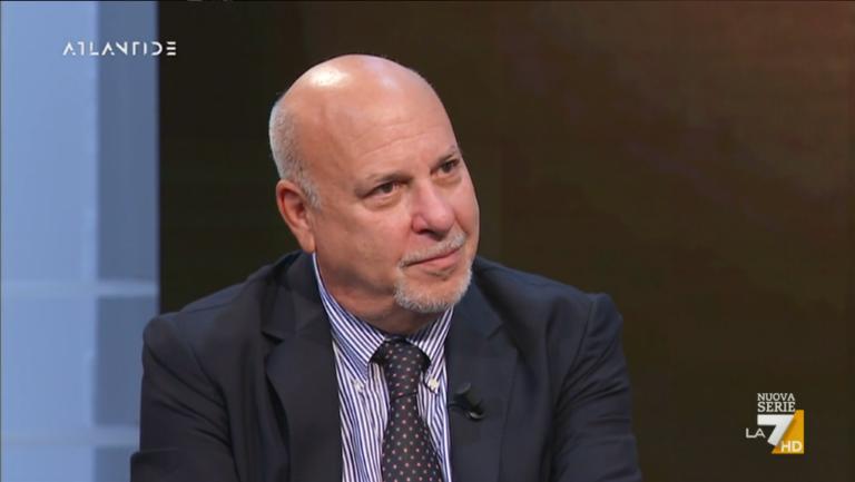 """""""A New York tantissimi Epstein, truffatori finanziari. America è una cultura basata sul dollaro"""""""